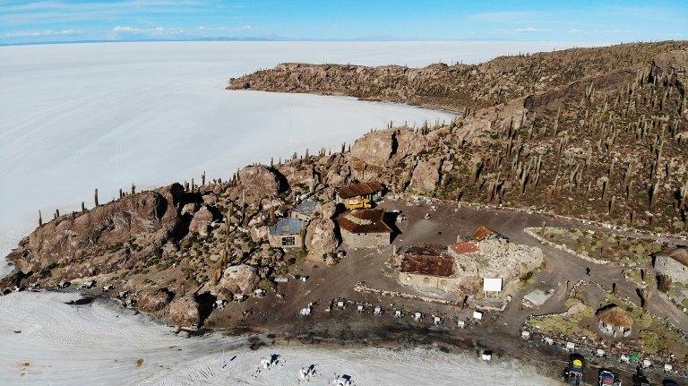 incahuasi-salt-flats-tour-Bolivia