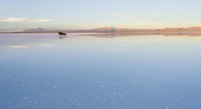 uyuni-salt-flats-tour-sky-mirror