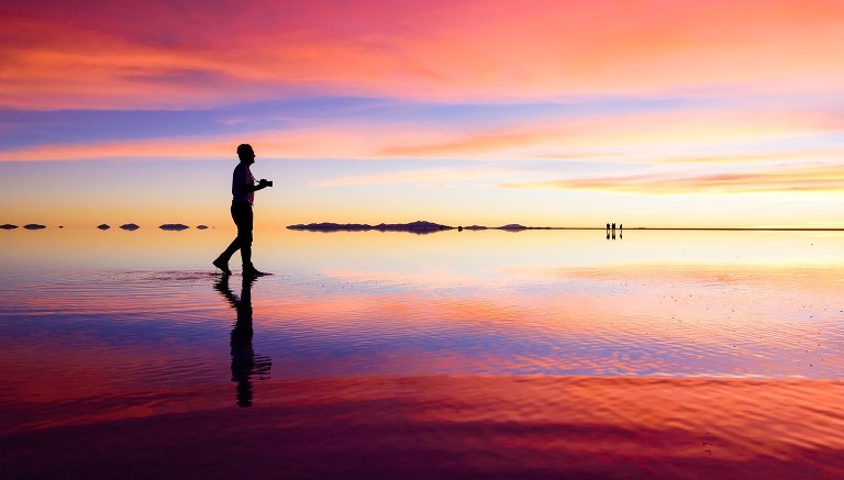 sunset-uyuni-salt-flats-tour